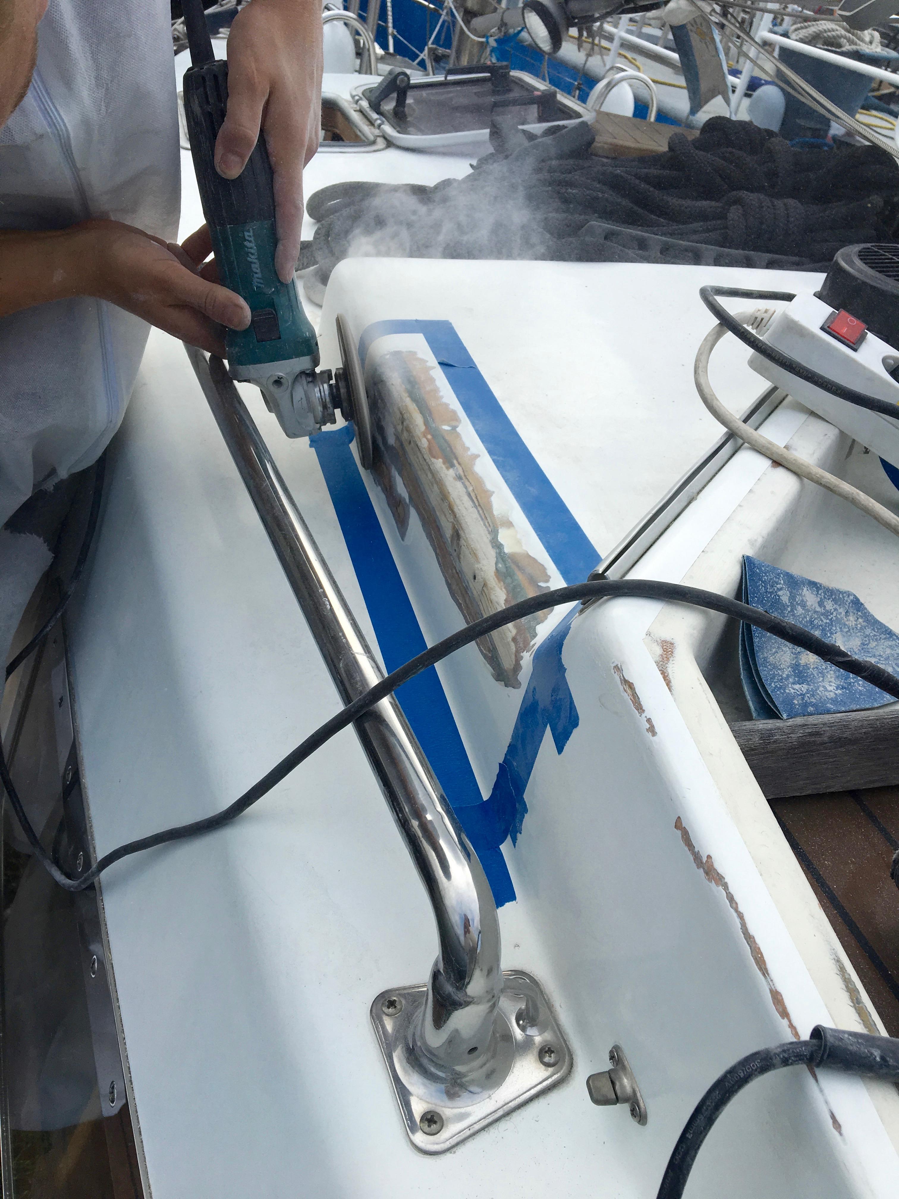 Repairing a plastic crack