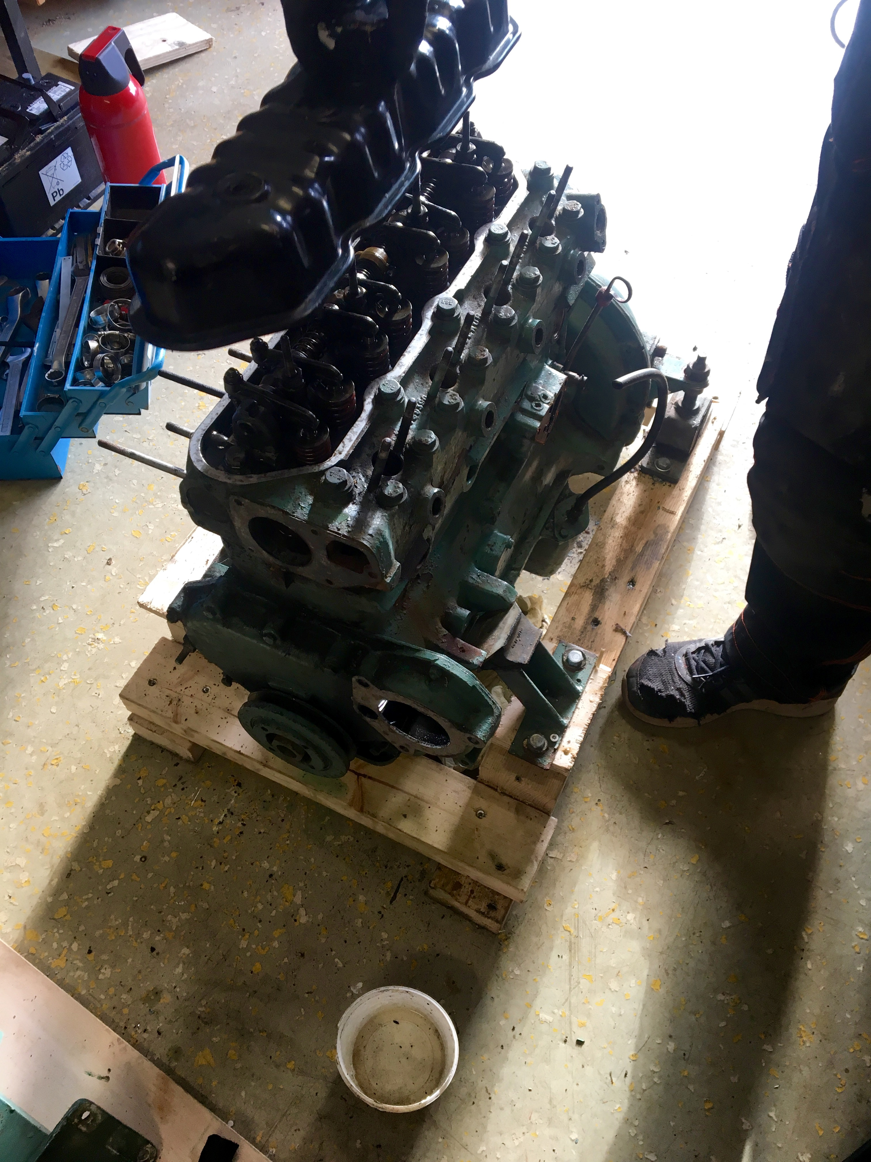 removing valve cover volvo penta md19