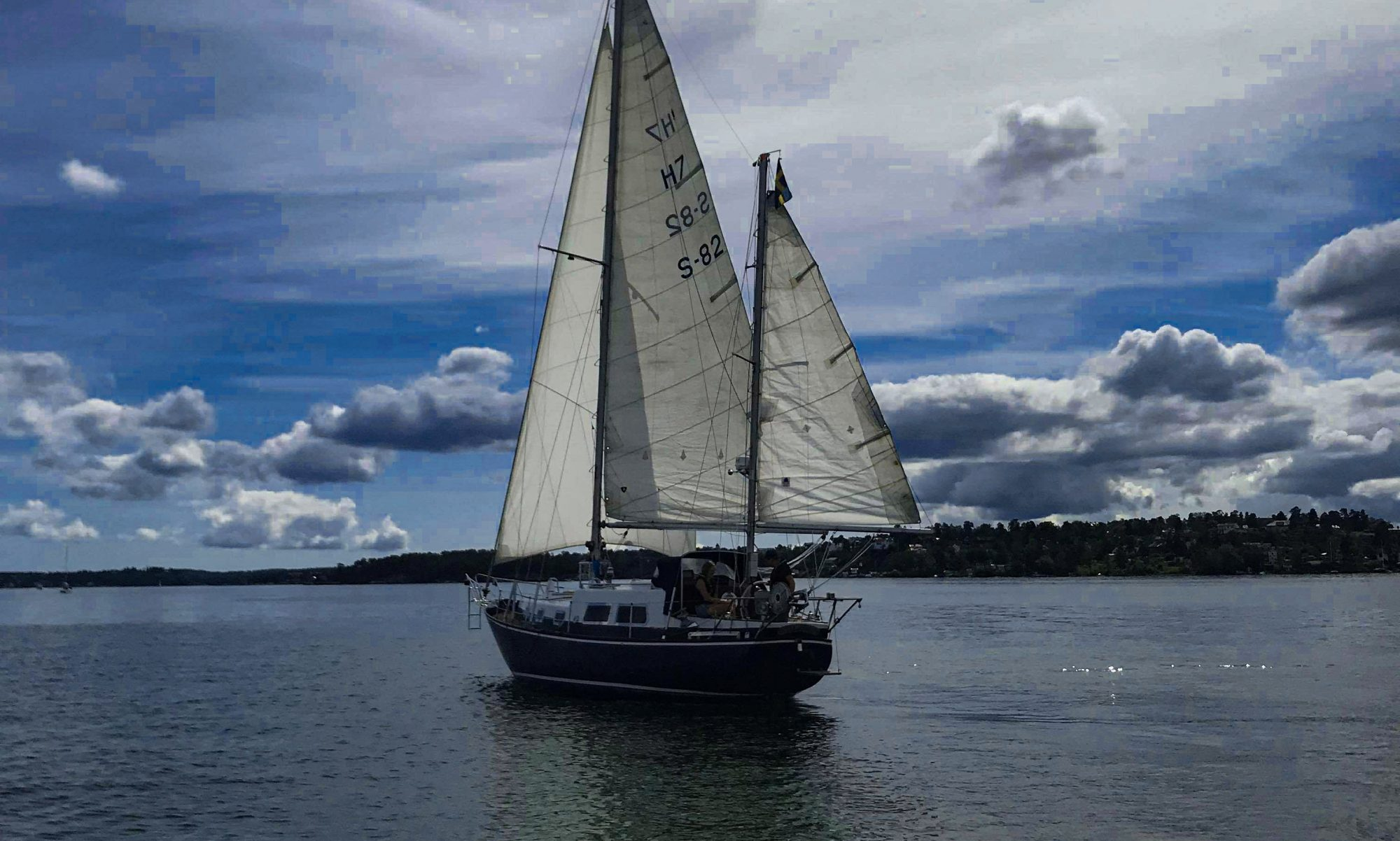 Sailing Anne-Mon